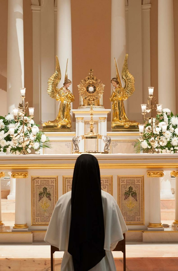 contemplation, contemplative-apostolic, prayer, Blessed Sacrament, adoration, st cecilia congregation, dominican sisters of st cecilia, nashville dominicans